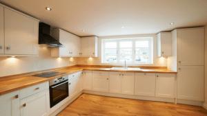 5-Tips-to-Make-Your-Kitchen-Seem-Bigger